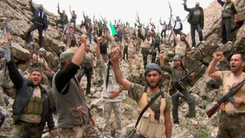 ΗΠΑ: Σχεδιάζουν τον εξοπλισμό και την εκπαίδευση της συριακής αντιπολίτευσης
