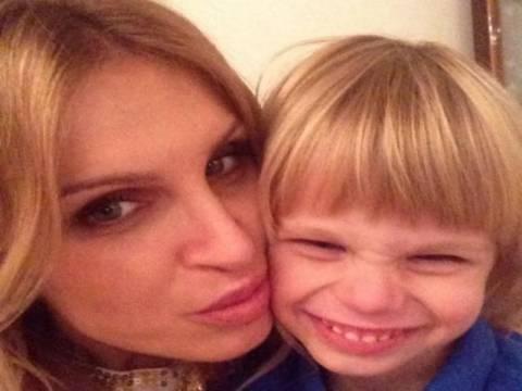 Τραγωδία: Μοντέλο έπνιξε το παιδί της και μαχαιρώθηκε στην καρδιά