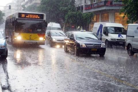 Θεσσαλονίκη: Σοβαρά προβλήματα από ισχυρή καταιγίδα