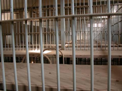Φυλακές... ώρα μηδέν!