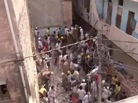 Ινδία: Τουλάχιστον 10 νεκροί από κατάρρευση πολυκατοικίας