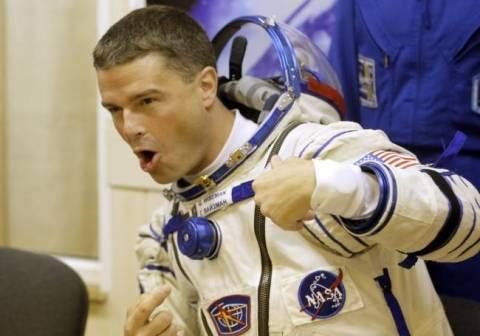 Αστροναύτης «ανεβάζει» βίντεο με μία καταιγίδα από το διάστημα! (pics+video)