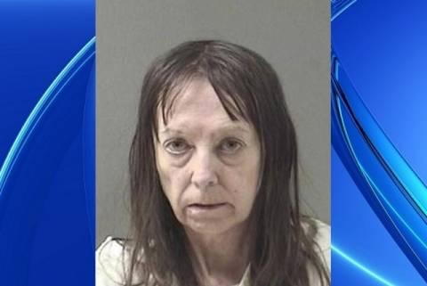 Έκοψε το πρόσωπο του άντρα της γιατί ούρησε στο μπάνιο! (βίντεο)