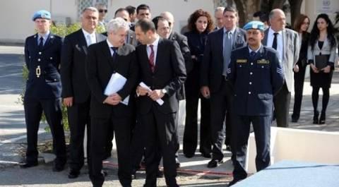 Κυπριακό:Κατατέθηκαν έγγραφα στη συνάντηση των δύο διαπραγματευτών