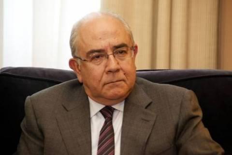 Ομήρου: Να σταματήσουν οι παρεμβάσεις στην Τρ.Κύπρου