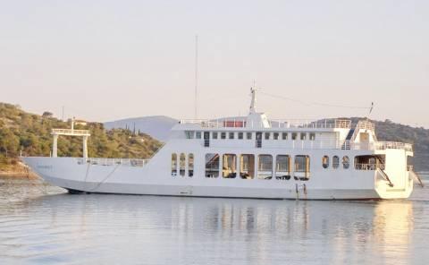 Ταλαιπωρία για τους επιβάτες επιβατικού πλοίου στη Σαλαμίνα