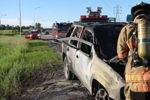 Έγινε «Σούπερμαν» για να σώσει γυναίκα από φλεγόμενο αυτοκίνητο