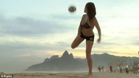 Μουντιάλ 2014: Το μοντέλο από την Αργεντινή που τα βάζει με τον Μέσι