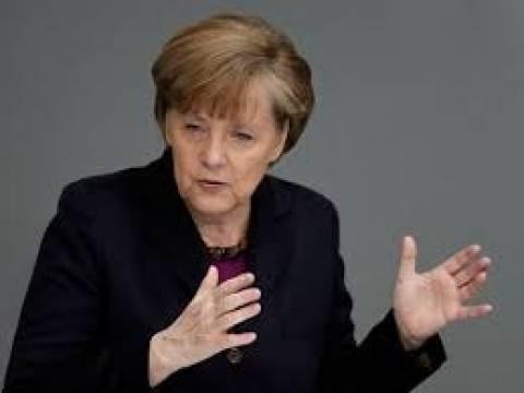 Μέρκελ: Ανοιχτό το ενδεχόμενο για νέες κυρώσεις κατά της Ρωσίας