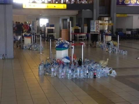 Κέρκυρα: Εικόνες ντροπής-Μετέτρεψαν σε χωματερή ένα ολόκληρο αεροδρόμιο (vid)