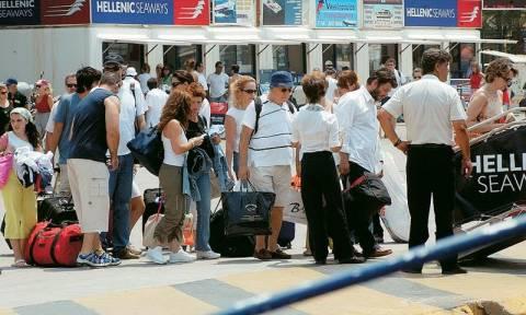 Ρεκόρ αφίξεων αλλά τα προβλήματα ρευστότητας των ξενοδόχων παραμένουν