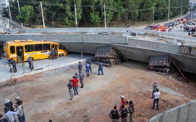 Βίντεο-σοκ: Η στιγμή που καταρρέει γέφυρα στη Βραζιλία