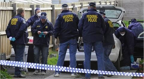 Οι αστυνομικοί δεν πίστευαν στα μάτια τους με αυτό που βρήκαν στις κονσέρβες
