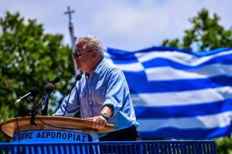 Ο Αβραμόπουλος στη λήξη άσκησης «Καμπέρος 2014»
