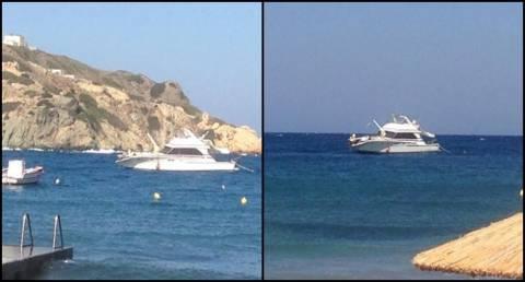 Σύρος: Σκάφος έπεσε στα βράχια