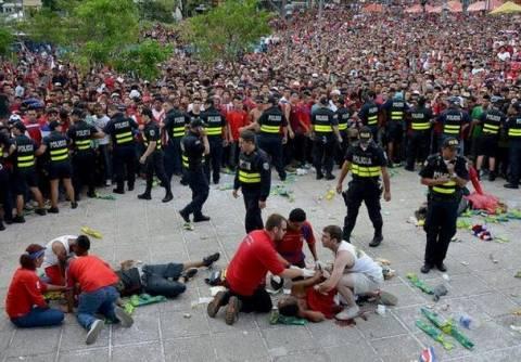Μαχαιρώθηκαν τρεις οπαδοί της Κόστα Ρίκα (φωτο)
