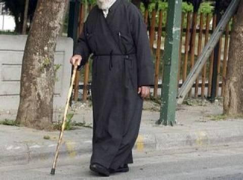 ΣΟΚ στην Πάτρα: Παπάς απαίτησε από ανάπηρη να βάλει φούστα