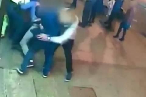 Βρετανία: Μεθυσμένος έσπασε το πόδι αστυνομικού! (video)