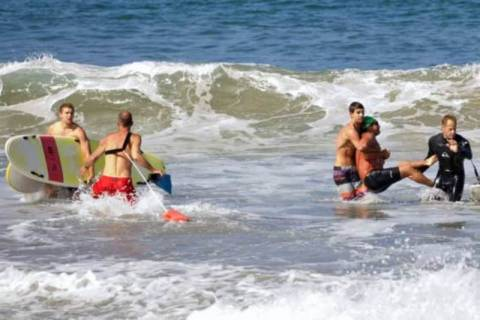 Καλιφόρνια: Γλίτωσε από επίθεση καρχαρία χτυπώντας τον στη μύτη! (video+photos)
