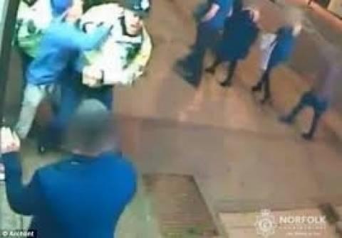 Μεθυσμένος σπάει το πόδι αστυνομικού! (pics+video)