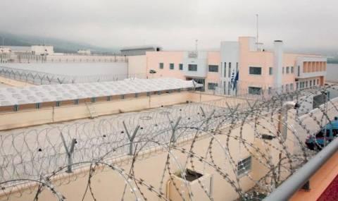 «Έβρεχε» πέτρες με ναρκωτικά στην ταράτσα των φυλακών Δομοκού