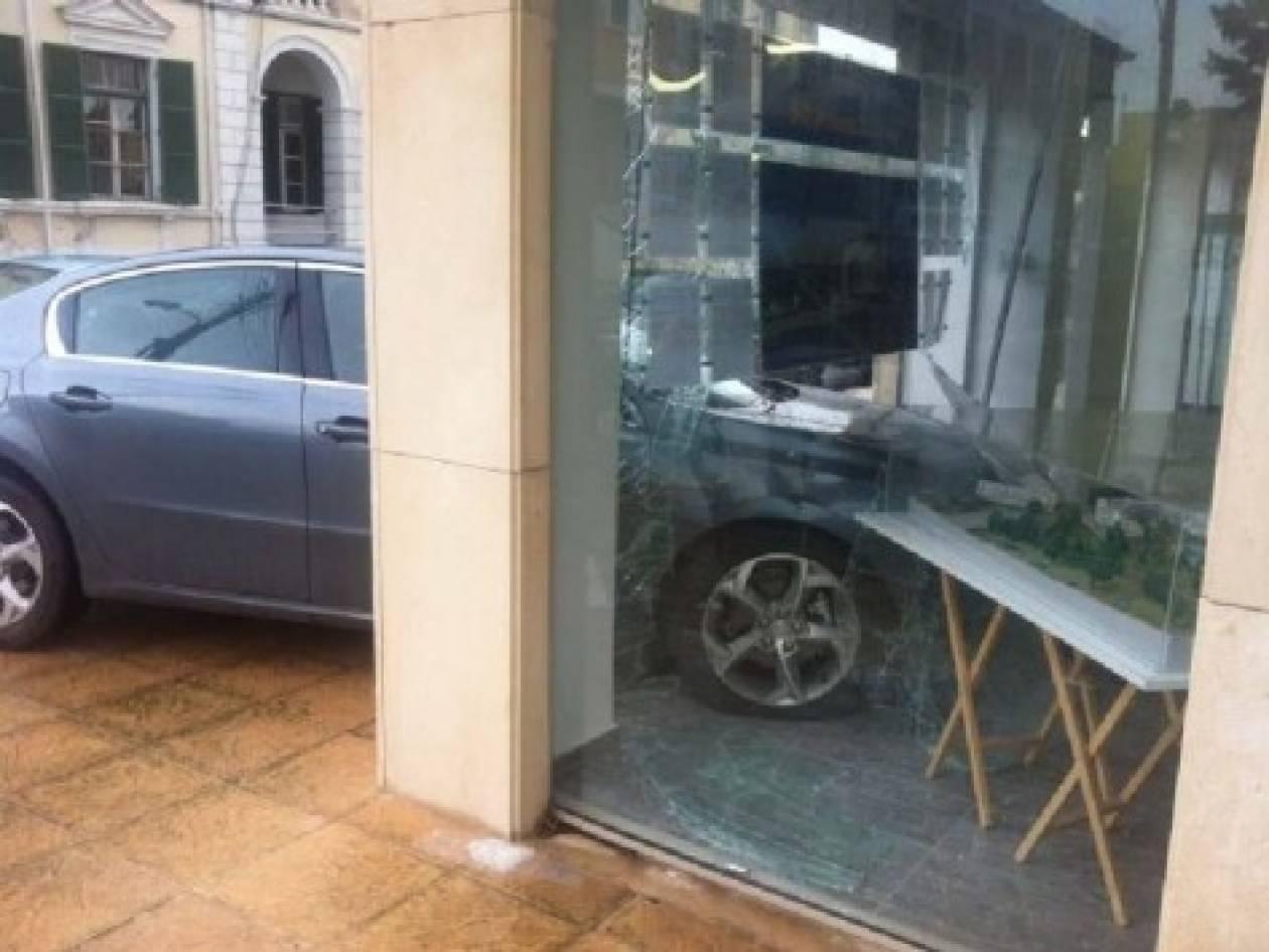 Απίστευτο ατύχημα σε φούρνο στην Εύβοια (pic)