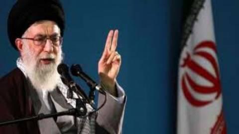 Ιράν: Τα όρια διαπραγμάτευσης που θέτει ο Χαμενεΐ