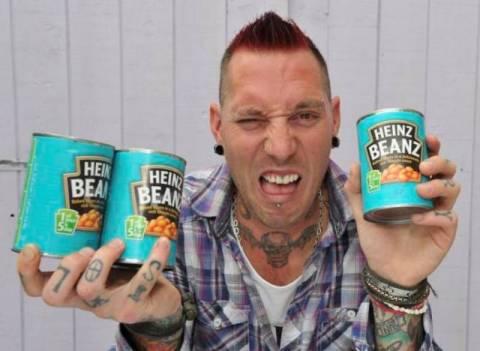 Βρετανός σεφ παραιτήθηκε επειδή φοβάται τα… φασόλια!