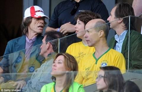Μουντιάλ 2014: Οι Βραζιλιάνοι θεωρούν ότι ο Μικ Τζάγκερ φταίει για την ήττα! (pics+video)
