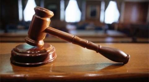 Δικαστήρια Χανίων: Έσπρωξε αστυνομικό και έφυγε με τη δικογραφία