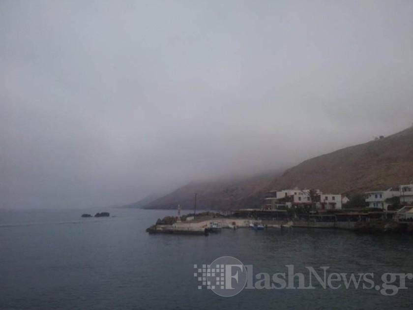 Σφακιά: Σάστισαν οι Κρητικοί - Πέπλο ομίχλης σκέπασε τα πάντα (pics)