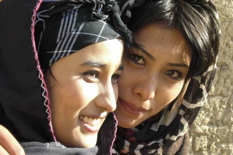 Ελληνίδα διδάσκει Αντιγόνη του Σοφοκλή σε γυναίκες στο Αφγανιστάν