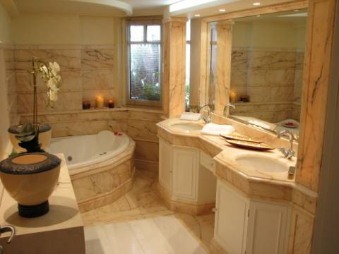Ενας απλός και πρακτικός τρόπος για μπάνιο πάντα καθαρό