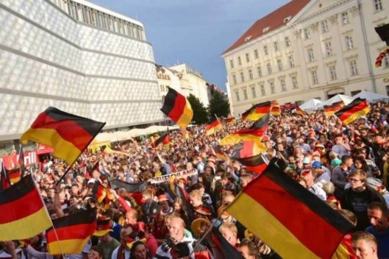 Μουντιάλ 2014 – Γερμανία: Ολονύκτιο γλέντι για τα «πάντσερ» (videos+photos)
