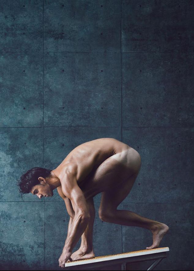 Αθλητές ποζάρουν γυμνοί για γνωστό περιοδικό (photos)