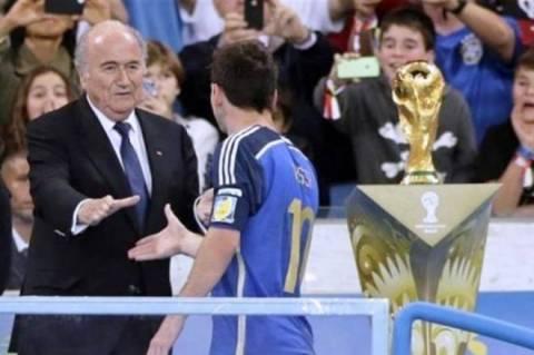 Παγκόσμιο Κύπελλο Ποδοσφαίρου 2014: Αιφνιδιάστηκε με το βραβείο στον Μέσι ο Μπλατερ