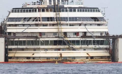 Συγκλονιστικές εικόνες από το εσωτερικό του Costa Concordia (pics)