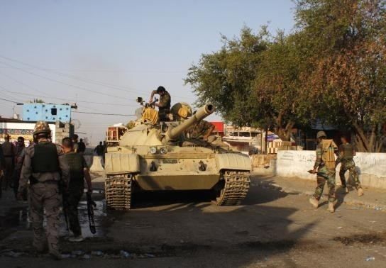 Ο ιρακινός στρατός προωθείται στο Τικρίτ (pics)
