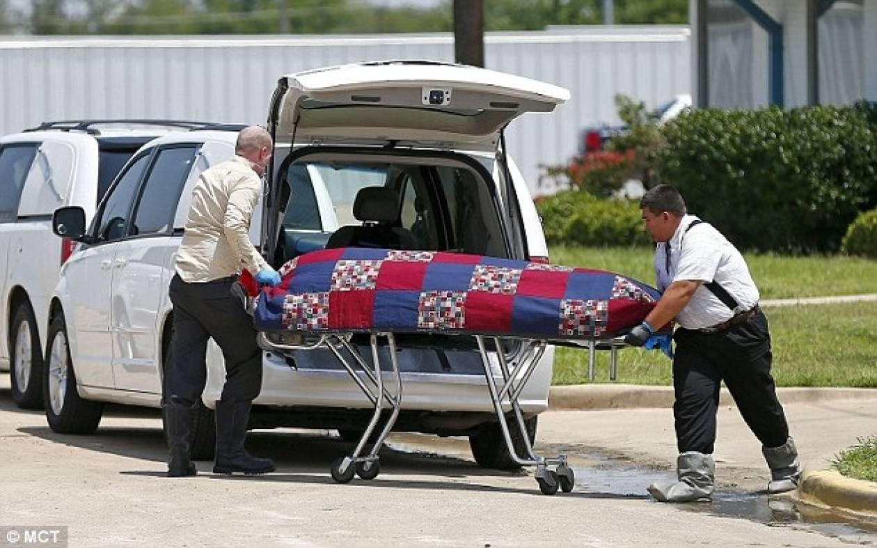 Βρέθηκαν πτώματα σε αποσύνθεση σε γραφείο τελετών! (pics)
