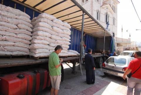 Καματερό: Εξήντα τόνους πατάτας μοιράζει η ΕΑΣ Νάξου (pics-vid)