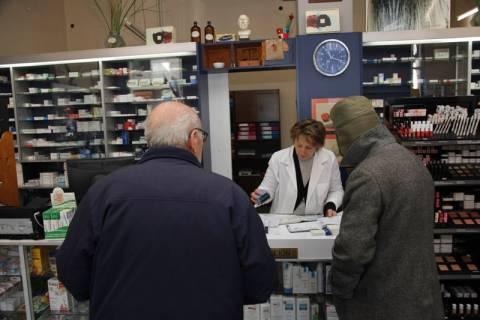 Νέες μειώσεις στις τιμές των φαρμάκων με εκτόξευση της συμμετοχής