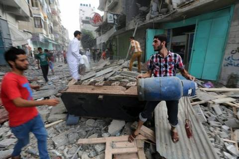 Αυξάνεται ο αριθμός των αμάχων που εγκαταλείπουν τη Λωρίδα της Γάζας