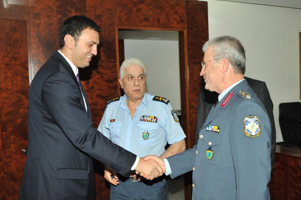 Β. Κικίλιας: Ήρωες οι αστυνομικοί που συνέλαβαν τον Μαζιώτη (pic)
