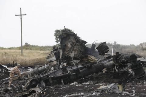 Boeing 777: Αυτή είναι η πτήση που καταρρίφθηκε; (βίντεο)