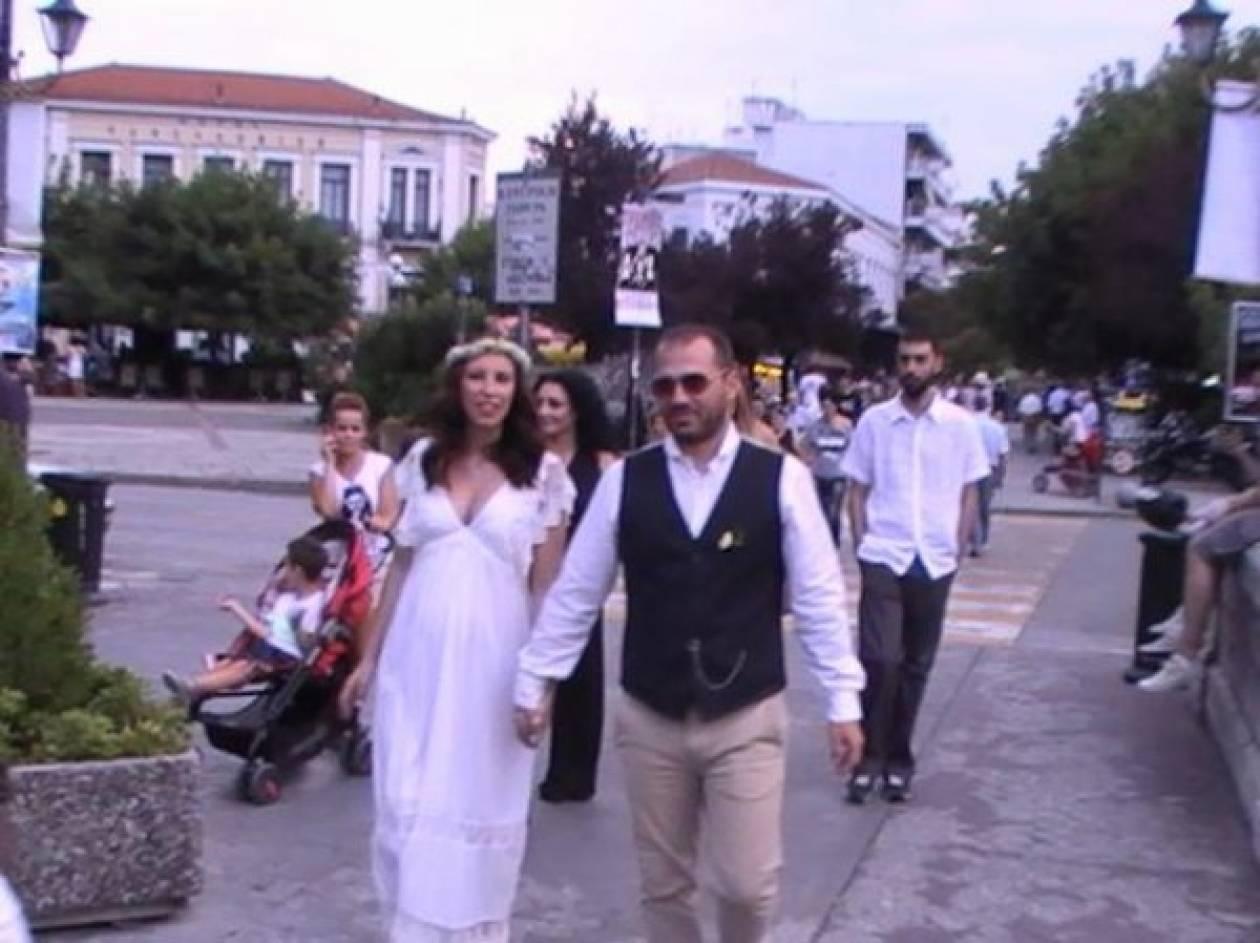 Τρίκαλα: Σχόλασε ο… γάμος και πήγαν στην πορεία!