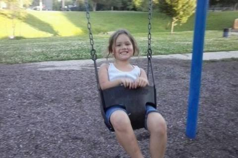 Ένα κορίτσι νεκρό σε ανταλλαγή πυροβολισμών μεταξύ αστυνομίας και του απαγωγέα της