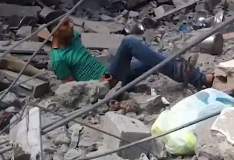 Το Ισραήλ δολοφονεί εν ψυχρώ αμάχους - Προσοχή σκληρό βίντεο