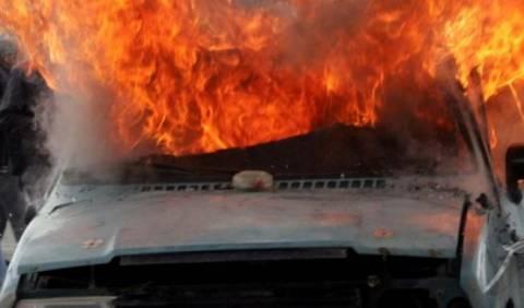 Ηλεία: Φωτιά σε αυτοκίνητο με υγραέριο