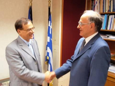 Συνάντηση Σούρλα-Χαρδούβελη για την πάταξη της διαφθοράς