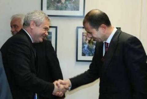 Κυπριακό: Συναντήθηκαν εκ νέου Μαυρογιάννης-Οζερσάι